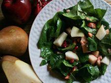 Salata delicioasa cu spanac, pere si rodii