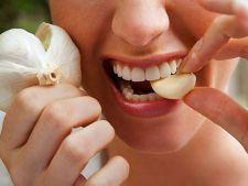 Cum poti sa ameliorezi durerile de dinti cu ajutorul leacurilor din natura
