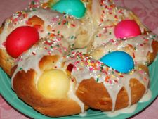 Painea dulce, un deliciu pentru masa de Paste