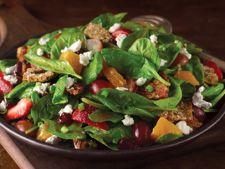 Salata energizanta, plina de vitamine, gata in cateva minute