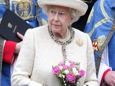 Regina Angliei poate conduce fara permis! Ce alte privilegii ciudate mai are Elisabeta a II-a
