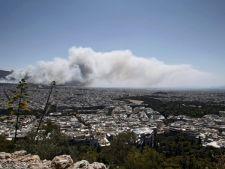 Incendii violente in Grecia: 100 de turisti, evacuati!