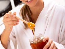 Mierea de Manuka, bicarbonatul fara aluminiu sau uleiul de cocos, preferate de romanii care vor sa traiasca sanatos