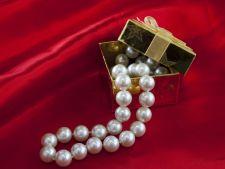 O bijuterie, cel mai frumos cadou de Sfanta Marie