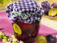 Compot aromat cu prune, pentru camara de iarna