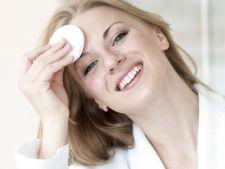 Scapa de acnee cu un ingredient simplu si natural: otetul de mere