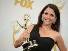 Tinute cu staif la Emmy 2015! Pe tine ce rochie te inspira?