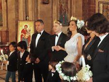 Anca Serea si Adrian Sina s-au casatorit la biserica. Rochia de mireasa, neobisnuita