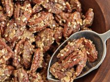 Crunchy pecan nuts  , by the aroma Rosemary and susan