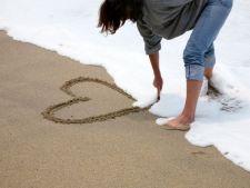 5 superstitii interesante despre dragoste. Crezi in ele?