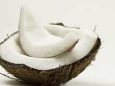 7 utilizari nestiute ale uleiului de cocos