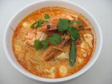 Supa tailandeza cu creveti pentru serile friguroase de iarna