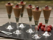 Mousse de chocolate with  , chili dessert with the few refined calories