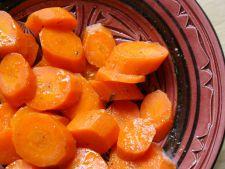Salata marocana de morcov cu miere, ideala alaturi de friptura