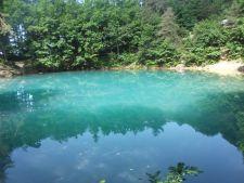 Lacul Albastru, minunea naturala a Romaniei, unic in Europa
