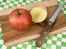 Apple with the or peel without the? how e more healthy it eat