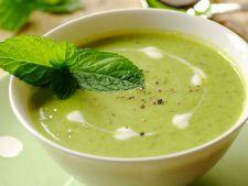 Supa crema de dovlecei, mazare si leurda – rasfat in timpul primaverii