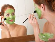 Ceapa verde te scapa de acnee! Cum trebuie sa o folosesti
