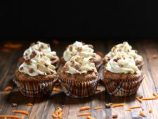 Muffins with Apple carrot  , a   delight those small