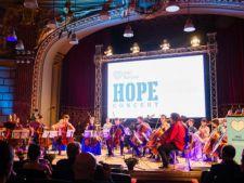 Vedete si personalitati la cel mai mare concert caritabil al primaverii