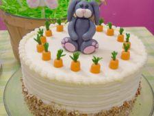 Tort de morcovi, desertul ideal pentru masa de Paste