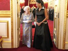 Regina stilului. 10 tinute clasice pe care trebuie sa le ai si tu