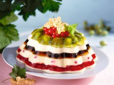 Pudding with fruit of  , forest in prepared House
