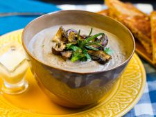 Supa crema de ciuperci in stil suedez