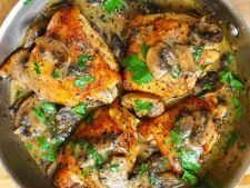 Chicken thighs       creamy sauce mushroom