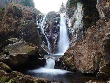 7 cascade uimitoare ale Romaniei pe care trebuie sa le vezi pana mori