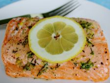 Salmon with lemon and  , recipe dill perfect for a dinner easy