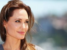 Cum slabeste Angelina Jolie 4 kilograme in doar 3 zile. Dieta super rapida a vedetei