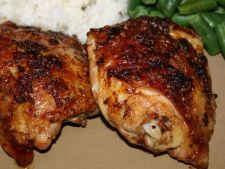 Chicken thighs of the chicken oven with the soy sauce   and butter