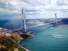 Cum arata cel mai inalt pod suspendat din lume. E aproape de Romania!