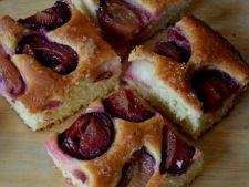 Prajitura cu prune, un desert pe care trebuie sa-l incerci in aceasta toamna