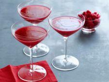 Cocktail cu merisoare, un deliciu in zilele racoroase de toamna