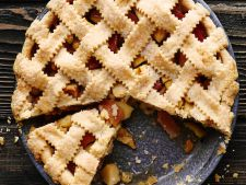 Placinta aromata cu mere si gutui