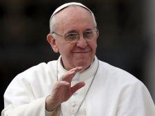 """Avertismentul Papei Francisc: """"Folosirea telefoanelor mobile duce la razboi"""""""
