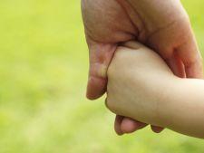 Expertul Acasa.ro, asistent social Romelia Blejan: Framantarile care stau in spatele deciziei adoptiei unui copil