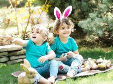 Elena Basescu, imagine induioasatoare alaturi de copii