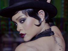 Rihanna a luat proportii. Cum arata in costum de baie