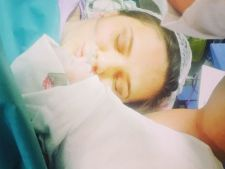 Cristina Siscanu a nascut. Prima imagine cu fetita