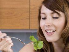 Dieta cu salata verde. Mai slaba cu 6 kilograme in 11 zile