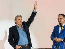 "Alain Delon: ""Rog femeile sa ramana pentru ca nu sunt gay"""