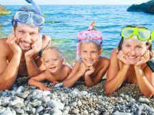 Cum ii echipam pe cei mici pentru plaja?