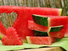 DICTIONAR DE NUTRITIE: Pepenele rosu previne aparitia cancerului! Alte motive pentru care ar trebui sa-l consumam cu mic, cu mare
