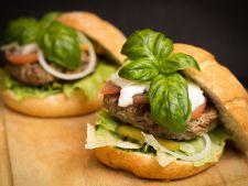 Gateste cu cel mic: Hamburger de curcan
