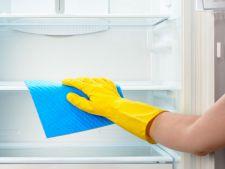 Cum sa cureti frigiderul in cateva minute cu ajutorul unui fruct