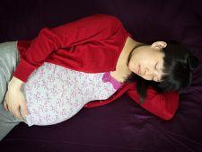 Pozitiile cele mai bune de dormit in timpul sarcinii