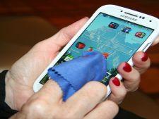 Telefonul mobil, mai murdar decat vasul de toaleta! Tu cat de des il dezinfectezi?